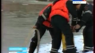 Лёд на водоёмах - хрупкий. Любительское рыболовство.