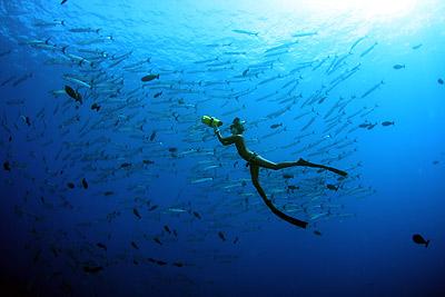 задержать дыхание под водой