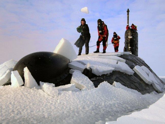 Всплытие подлодки в Арктике