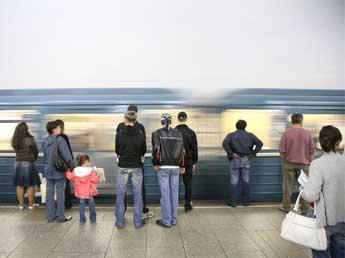 Крушении поезда в московском метро 22 человека погибли