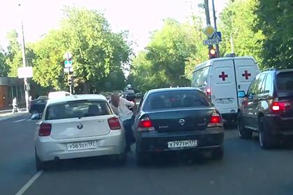 Упырь на BMW в Москве сбил мужчину