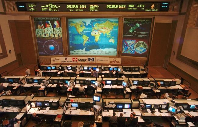 ЦУП планирует маневр увода МКС от космического мусора