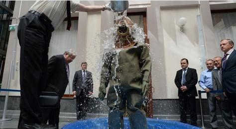 Чуров принял участие в акции Ice Bucket Challenge