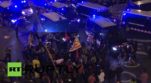 Полиция разогнала сторонников независимости Каталонии