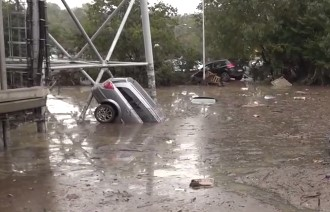 Наводнение в Парме: сотни автомобилей под водой