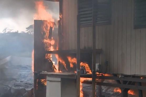 Лава вулкана Килауэа на Гавайях уничтожает города