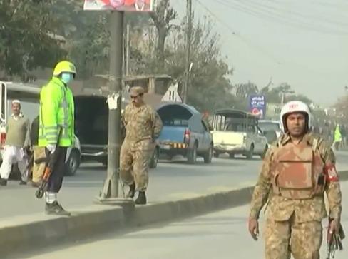 В Пакистане боевики захватили школу, более 100 человек убиты