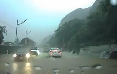 Запись с видеорегистратора Тайвань посмотри что будет дальше