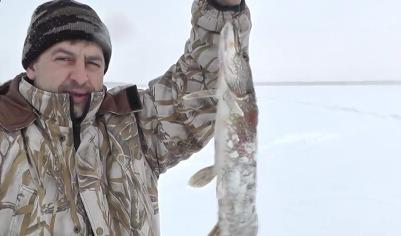 Зимняя рыбалка и ловля щуки на жерлицы с рыболовным шпионажем