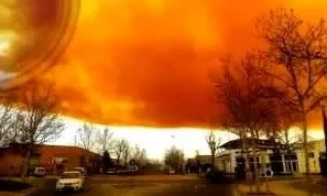 Токсичное оранжевое облако накрыло окраины Барселоны