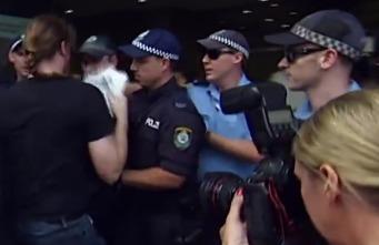 В Сиднее столкновения студентов с полицией, 40 человек пострадали