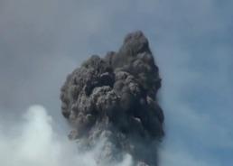 Bзвержения вулкана Турриальба в Коста-Рике