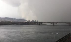 Снежное облако в Красноярске - видео