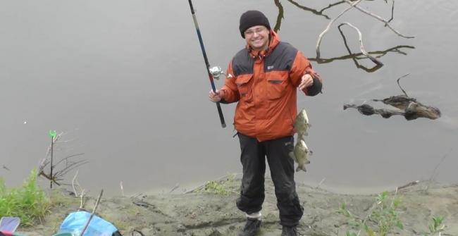 Ловля гибрида весной видео