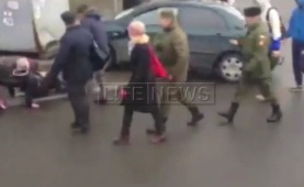 Видео: в Питере иномарка сбила пешеходов