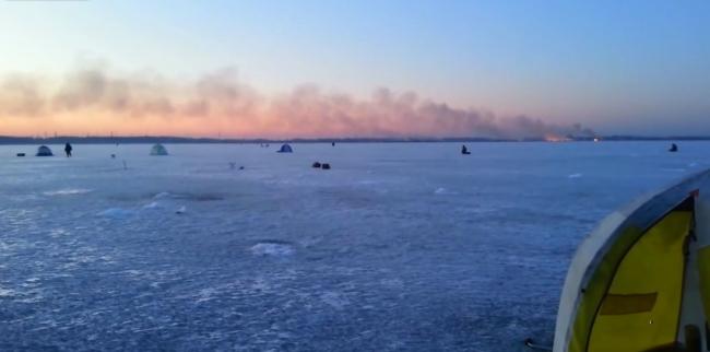 Рыбалка в толпе на втором озере