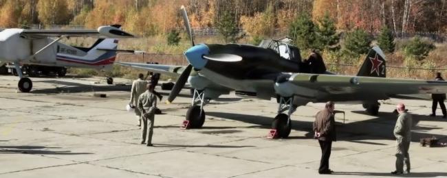 Полёт восстановленного штурмовика Ил-2