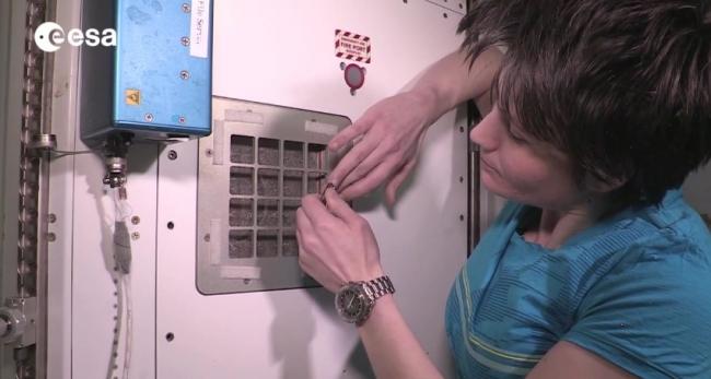 Ванная комната на МКС или как моются космонавты