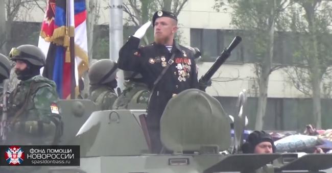Моторола и Гиви на Параде Победы в Донецке