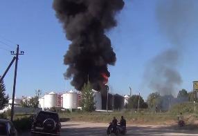 Под Киевом горит нефтебаза БРСМ-Нафта