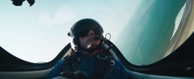 Британские пилоты: полет через ангар