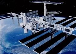 Иллюминаторы МКС почистили в открытом космосе