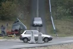 Видео: Что будет, если врезаться на скорости 200 км/ч