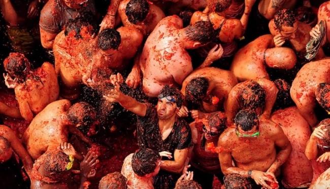 Бой помидорами в Испании
