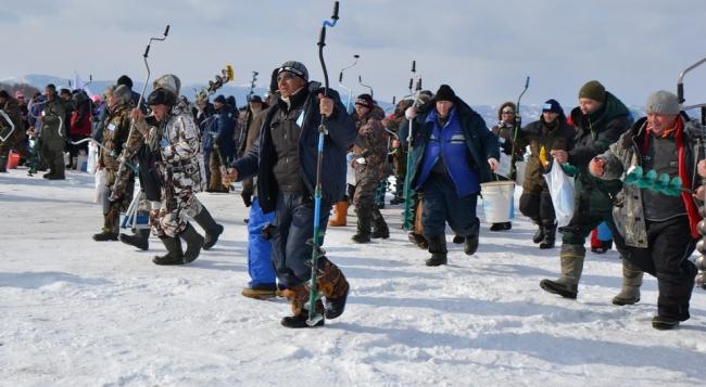 Скоро зимняя рыбалка на всех водоемах страны