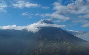 Извержение вулкана Тунгурауа в Эквадоре