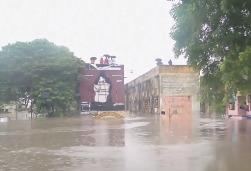 Наводнение в Индии погибло около 200 человек