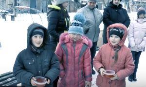 Новогодний гумконвой или Рыжий Дед Мороз с красной икрой (Горловка)