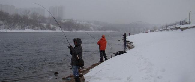 Зимняя ловля на спиннинг (Москва река).
