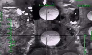 ВКС России нанесли удар по нефтеперерабатывающему заводу ИГИЛ
