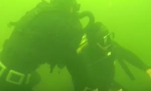 Кадры рукопашного боя под водой