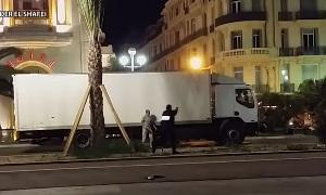 Видео ликвидации террориста, въехавшего на грузовике в толпу людей