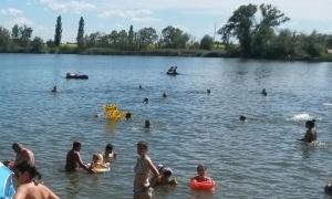 Двое купавшихся попали в больницу после наезда катера в воронежском водохранилище