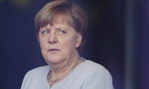 Берлин: Митинг против Меркель