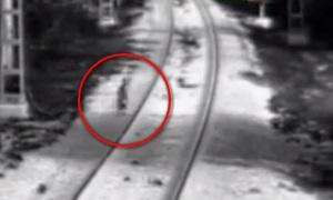 Сочи: трехлетнего ребенка спасли из-под колес поезда