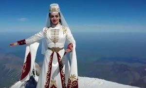 Танец на вершине Эльбруса
