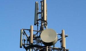Под Урлегорском украинская ДРГ повредила линию операторов сотовой связи.