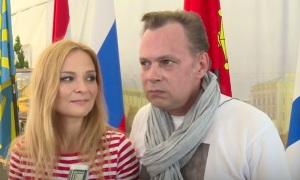 Российские артисты дали концерт в Сирии, на базе Хмеймим