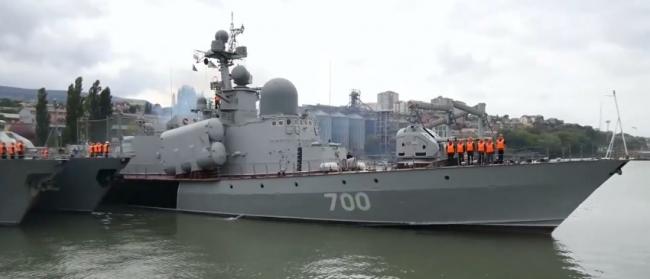 «Кавказ-2016» в Южном военном округе, в которых задействованы более 12 тысяч военнослужащих, а также авиация, боевая техника и корабли.