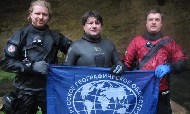 Рустам Сиразетдинов: Олег Гаврилин нырнул в подземную реке Шульган-Таша! (На задержке дыхания 30 м)