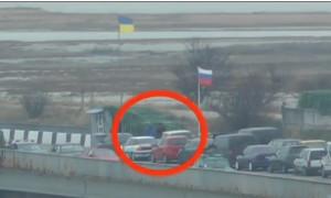 Видео захвата российских военнослужащих в Крыму