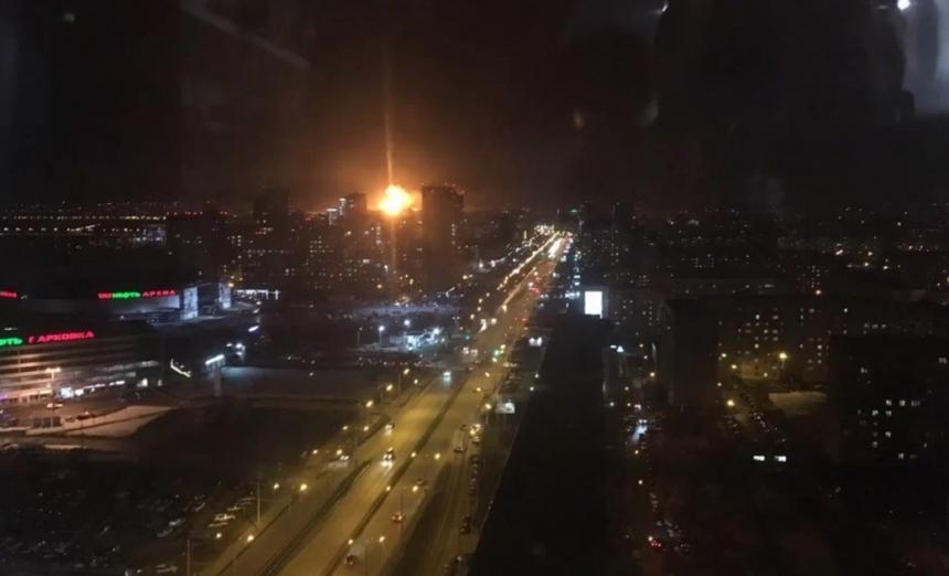 В Казани горит пороховой завод