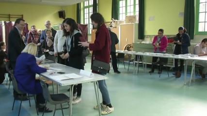 Франция сегодня выбирает президента