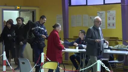 Во Франции проходит второй тур президентских выборов