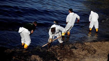 Греция: Пляжи возле Афин закрыты из-за разлива нефти