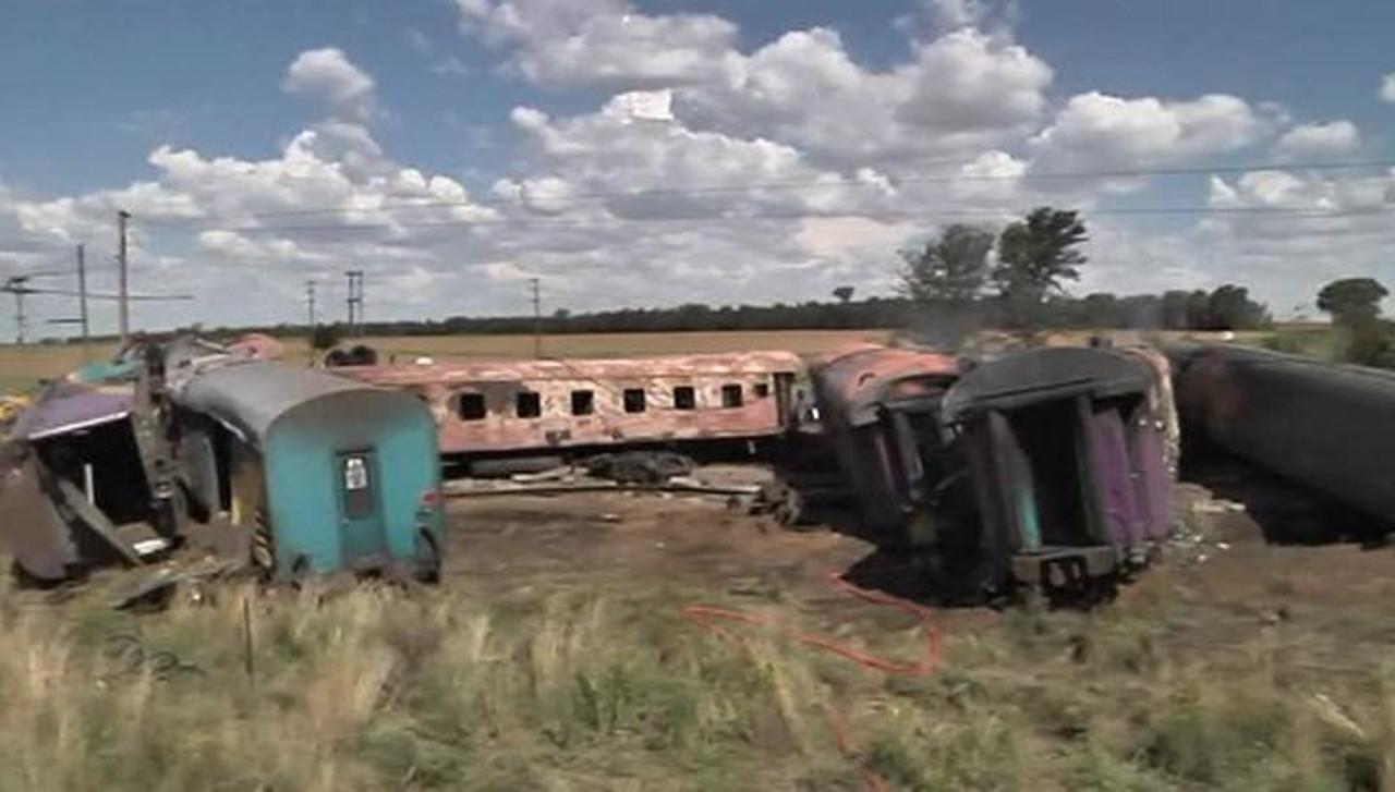Катастрофа в ЮАР: Столкнулись пассажирский поезд и грузовик (пострадавших - более 250)